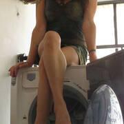 cross my legs on the washing machine